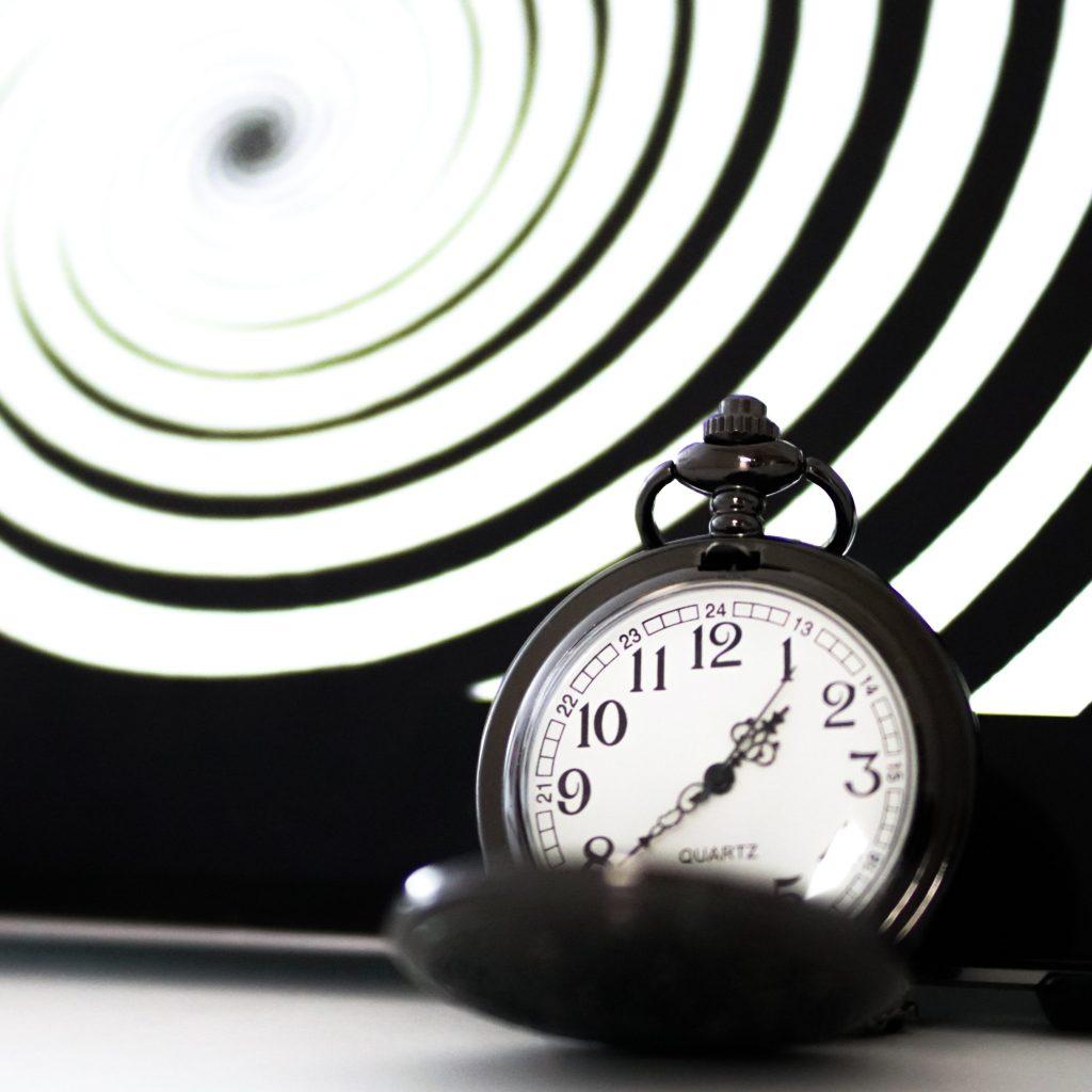 montre et spirale hypnotiques